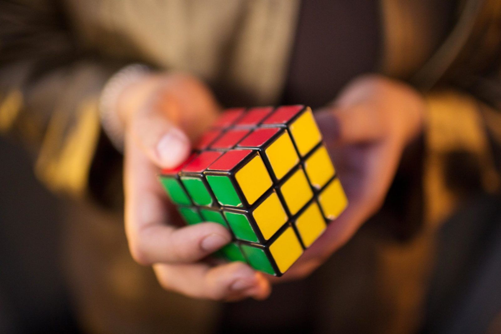 real-estate-is-problem-solving-featured-image-rubiks-cube